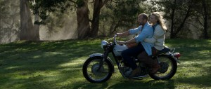 """Yvonne Strahovski mit Jason Staham in """"Killer Elite"""" (Quelle: Concorde Film)"""