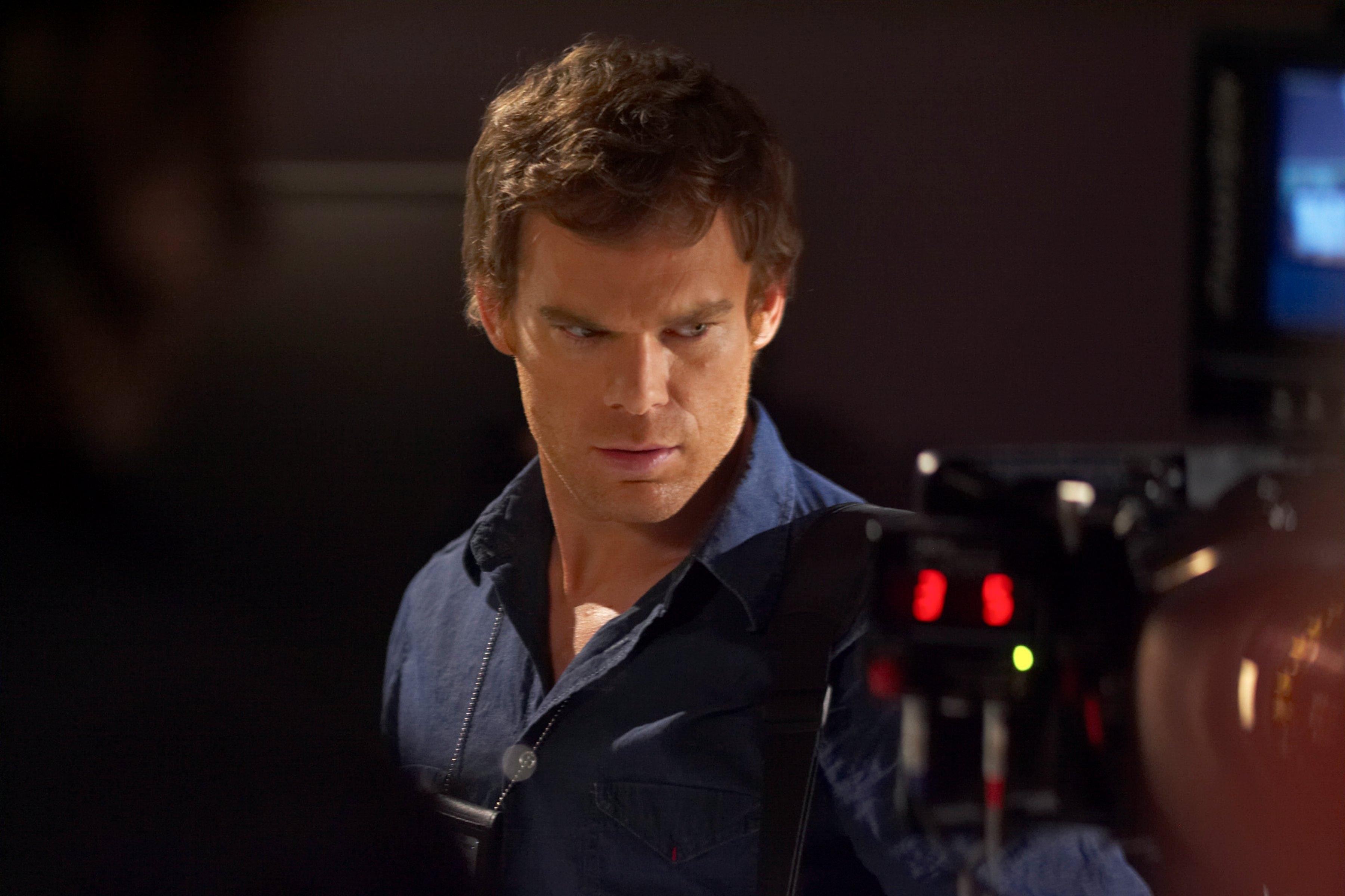 Dexter beim Tagesjob (Bildquelle: Pramount Pictures)