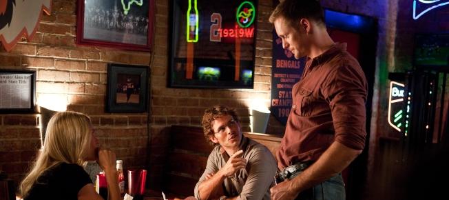 David und Amy treffen auf Amys Ex Charlie (Quelle: Sony Pictures)