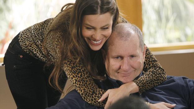 """Sofia Vergara und """"Modern Family""""-Ehemann Ed O'Neill (Quelle: ABC)"""
