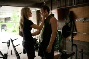 Tess sorgt sich, weil ihr Mann wieder kämpfen will (Quelle: Universum FIlm)