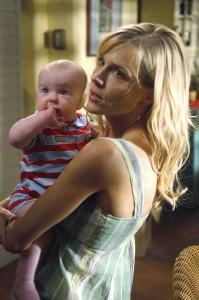Rita ist oft unglücklich über die Geheimnisskrämerei ihres Neuehemanns Dexter (Quelle: Paramount Home Entertainment)