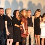 Der Cast nach der Filmvorstellung auf der Bühne (Quelle: Walt Disney Pictures Germany)