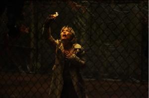 Auf der Suche nach ihrer Adoptivtochter durchlebt Rose einen morbiden Alptraum. (Quelle: Concorde Filmverleih)