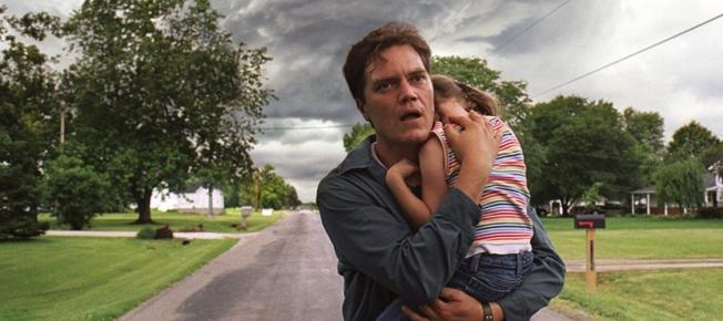 Take Shelter_Curtis flüchtet vor dem Sturm