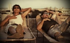 Juan und Lozaro genießen das Leben (Quelle: Pandastorm Pictures)
