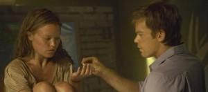 Dexter mit der geretteten Lumen (Quelle: Paramount Home Entertainment)