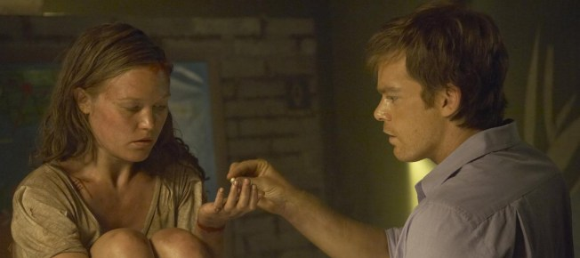 Dexter mit der geretteten Lumen (Quelle: Paramount Home Entertainment)