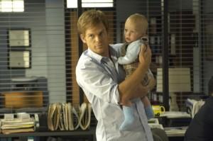 Dexter und Söhnchen Harrison (Quelle: Paramount Home Entertainment)