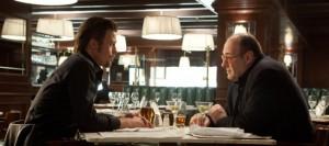Brad Pitt und James Gandolfini beim Abendessen (Quelle: Universum Film)