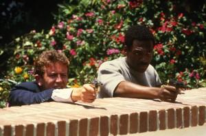 Axel und Billy bei einer Schießerei (Quelle: Paramount Home Entertainment)