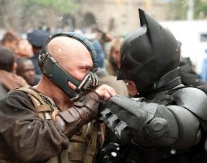 Bane stellt für Batman seinen bislang härtesten Gegner dar(Quelle: Warner Home Entertainment)