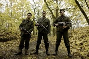 Bei diesen Männern hat kein Nazi etwas zu lachen (Bildquelle: StudioCanal)