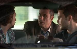 Der korrupte Cop Dennis unterstützt Sean und Chon bei allen Problemen (Quelle: Universal Pictures)