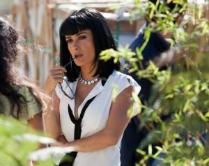 Die mächtige Elena hat ein Auge auf das Geschäft des Trios geworfen (Quelle: Universal Pictures)
