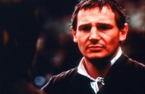 Liam Neeson spielt Father Fielding (Quelle: StudioCanal)