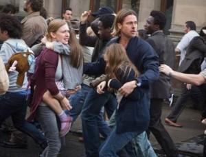 Brad Pitt mit Familie auf der Flucht (Quelle: Paramount Pictures Germany)