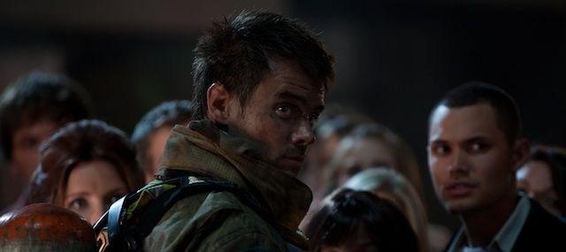 Jeremy in Feuerwehrkluft (Quelle: Universum Film)