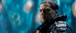 General Zod greift die Erde an (Quelle: Warner Bros. Germany)