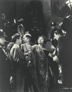 Norma Desmond liebt es, im Mittelpunkt zu stehen. (Quelle: Paramount Home Entertainment)