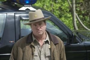 Val Kilmer als unsympathischer Dorfsheriff (Senator Home Entertainment)