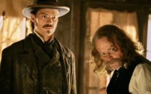 Bullock und der Doc (Quelle: Paramount Home Entertainment)