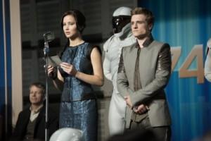 Katniss und Peetah müssen sich für ihren Ungehorsam verantworten (Quelle: StudioCanal)