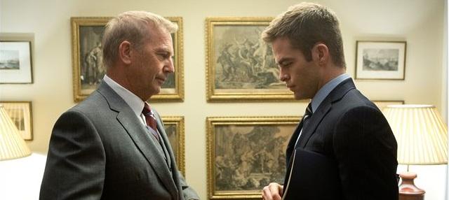Jack gemeinsam mit seinem Boss Harper (Quelle: Paramount Pictures)