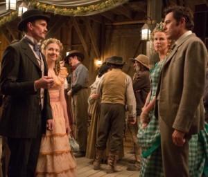 Anna und Albert treffen auf Foy und Luise (Quelle: Universal Pictures)
