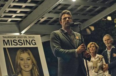 Was hat Nick Dunne mit dem Verschwinden seiner Frau zu tun? (Quelle: 20th Century Fox)