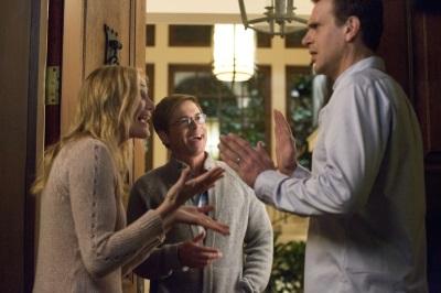 Annie und Jay müssen an Hanks iPad kommen (Quelle: Sony Pictures)