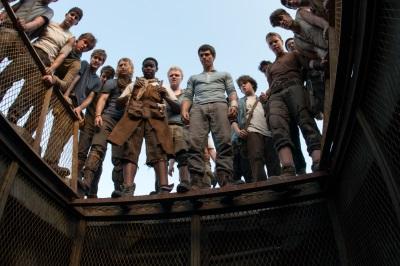 Die Truppe erwartet einen Neuzugang im Aufzug (Quelle: 20th Century Fox)