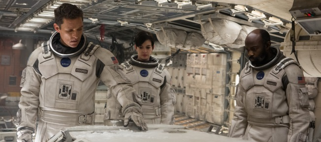 DIe Astronauten erforschen einen neu entdeckten Ort