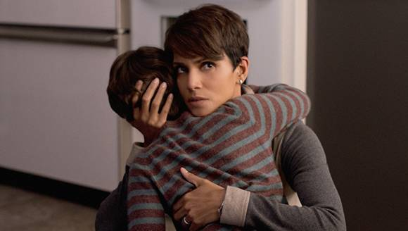 "Halle Berry in ""Extant"" (Quelle: CBS, Cologne Conference)"