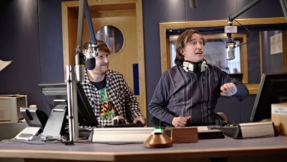 Alan Partridge auf Sendung (Quelle: StudioCanal)