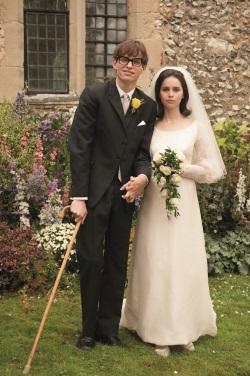 Jane und der bereits erkrankte Stephen heiraten (Quelle: Universal Pictures)