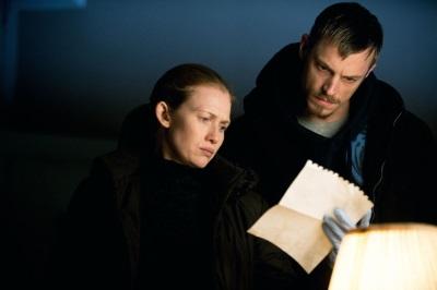 Linden und Holden entdecken eine neue Spur in ihrem Fall (Quelle: Pandastorm Pictures)