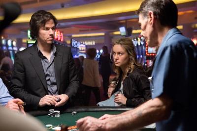 Jim mit Amy im Casino (Quelle: Paramount Pictures)