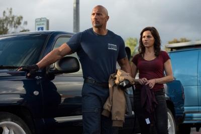 Ray und Emma such ihre Tochter (Quelle: Warner Bros Pictures)
