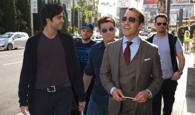 Ari muss sich gegen Vinny und seine Jungs durchsetzen (Quelle: Warner Bros. Pictures)