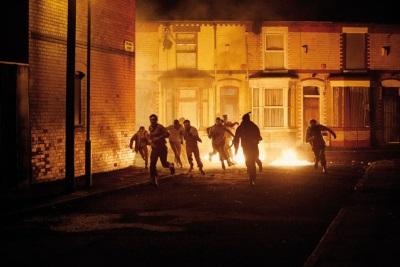 In Belfast brennen die Straßen (© Ascot Elite)