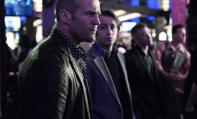 Nick ist als Bodyguard in seinem Element (© Universum Film)