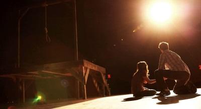Bühne frei für mörderisches Theater (© Warner Bros Pictures)