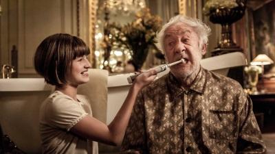 Opa und Enkelin als Dream-Team (© Warner Bros Pictures)