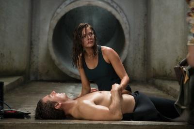 Ilsa muss Ethan aus der Patsche helfen (© Paramount Pictures)