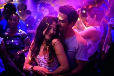 Hat das Single-Leben von Leni schon bald wieder ein Ende? (© Warner Bros Pictures)