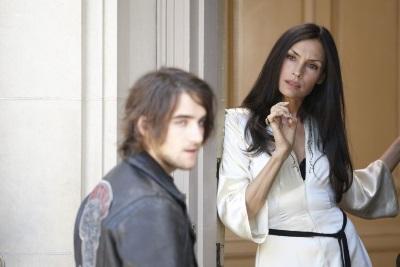 Olivia möchte den Zigeuner Peter nicht in ihrem Umkreis haben (© Concorde Home Entertainment)