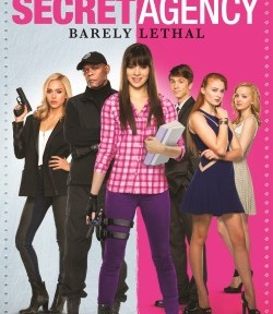 "Das Blu-ray-Cover von ""Secret Agency - Barely Lethal"" (© Ascot Elite)"
