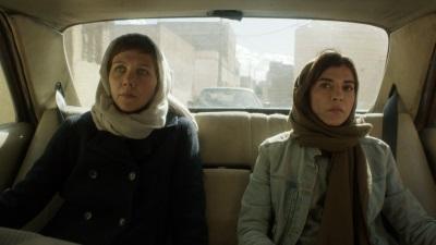 Nessa und Atika sind gemeinsamim nahem Osten unterwegs (© Polyband)