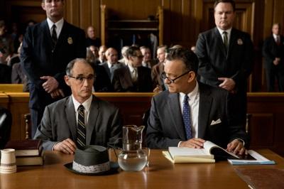 Donovan und Abel beim Prozess (© 20th Century Fox)